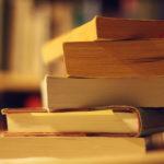 Книги это выжимка знаний писателей, почему не читают?